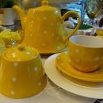 Mesa amarela no blog Detalhes Magicos