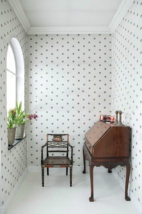 Bolinhas na parede, no blog detalhes magicos