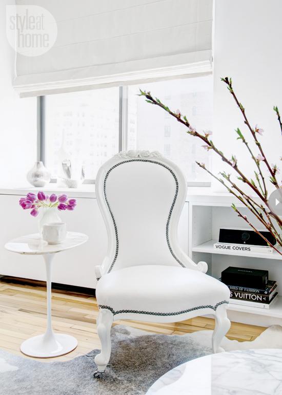 Pequeno e feminino apartamento em NY no blog Detalhes Magicos