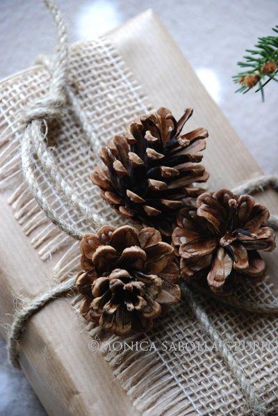 Enfeitando com pinhas no blog Detalhes Magicos