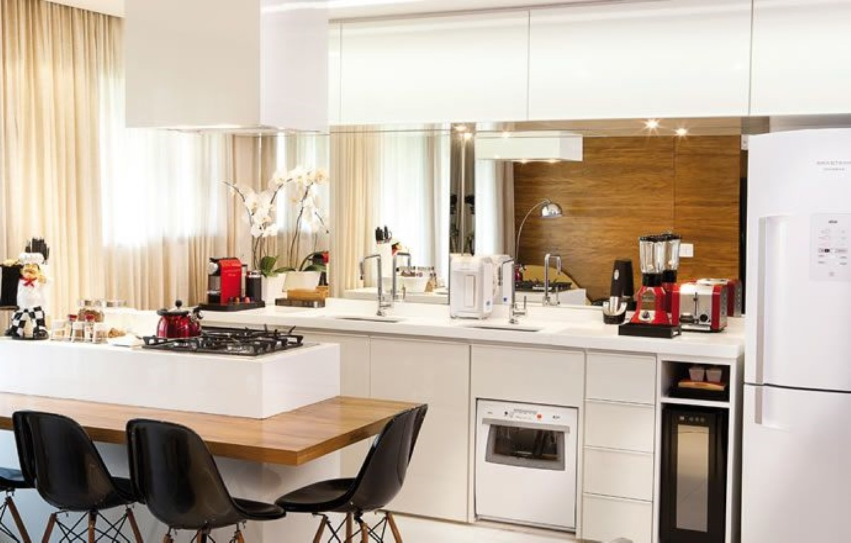 espelho bancada cozinha com fotos #AF1C22 1204x768
