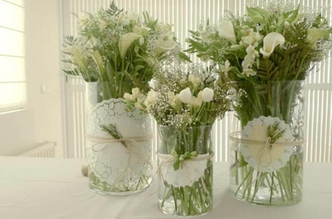 Flores na mesa detalhes m gicos for Decorar jarrones de cristal