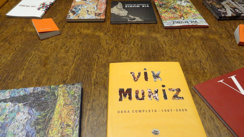 Vik Muniz -Do Tamanho do Mundo no blog Detalhes Magicos