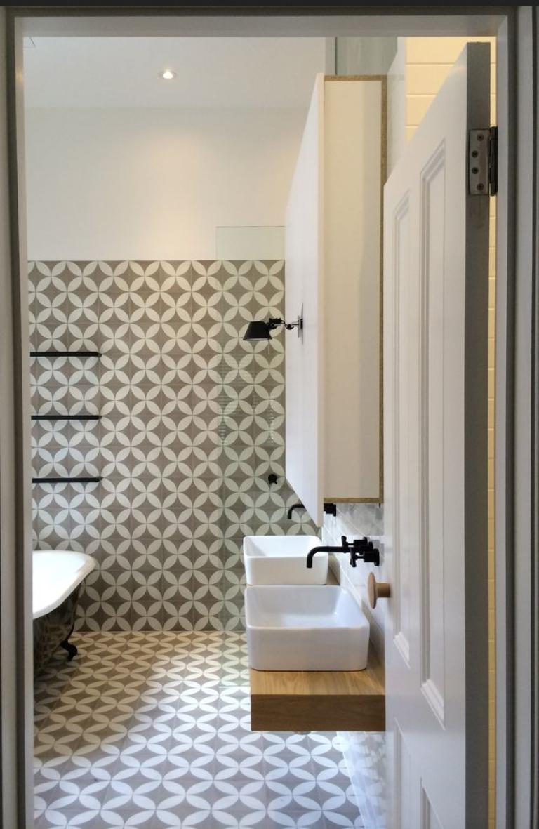 Cinco banheiros com ladrilhos hidr ulicos detalhes m gicos - Ladrillo hidraulico ...