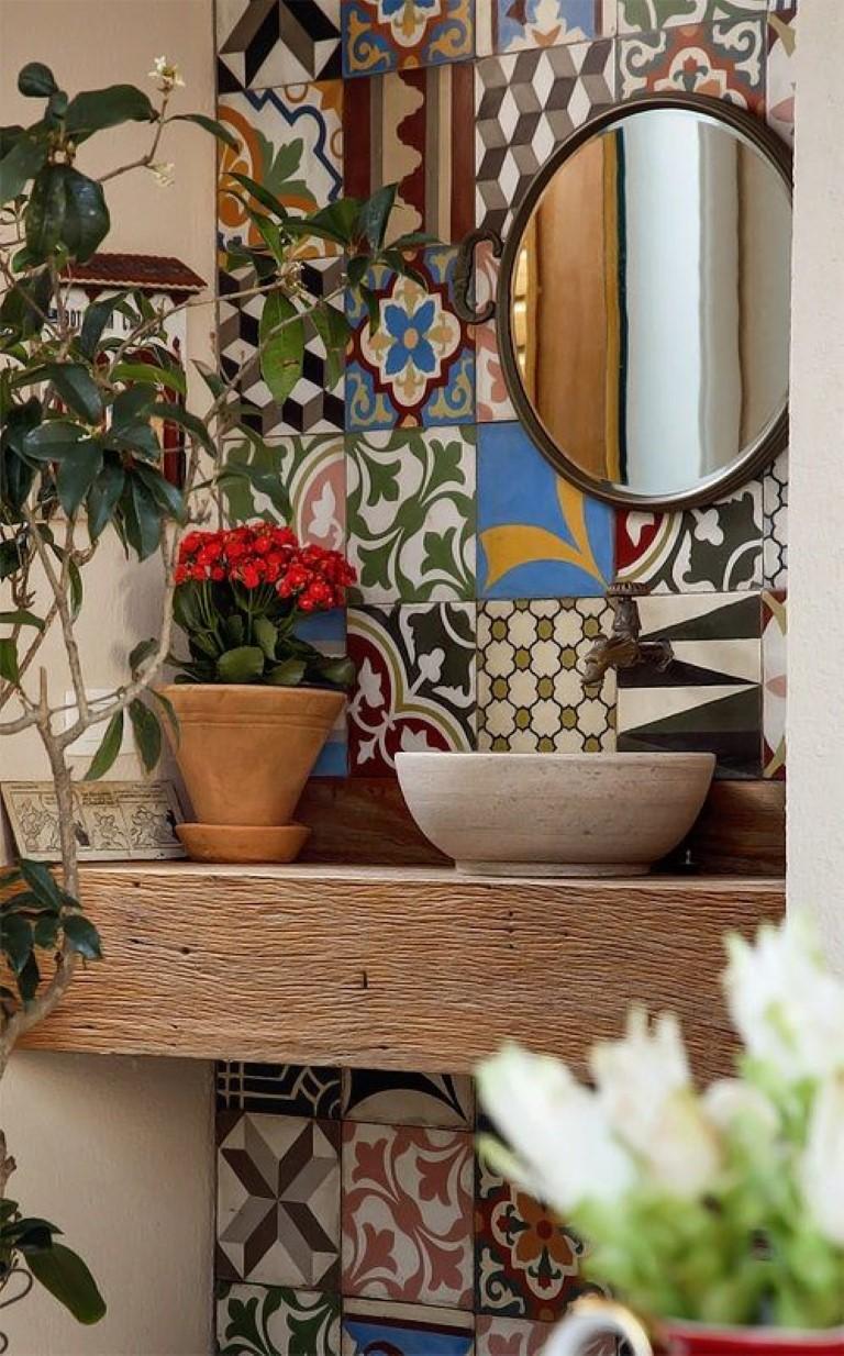 Cinco banheiros com ladrilhos hidráulicos  Detalhes Mágicos -> Decoracao Banheiro Boho