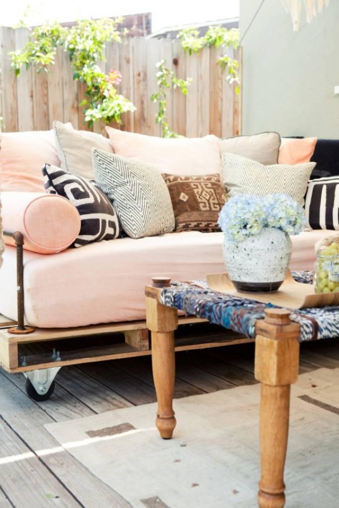 sof com pallets detalhes m gicos. Black Bedroom Furniture Sets. Home Design Ideas