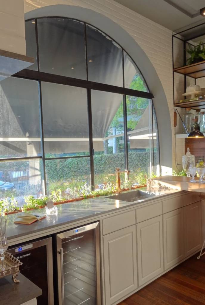 janela-da-casa-copa-e-louçaria
