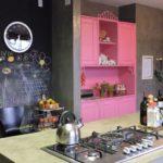 cor-de-rosa-na-cozinha