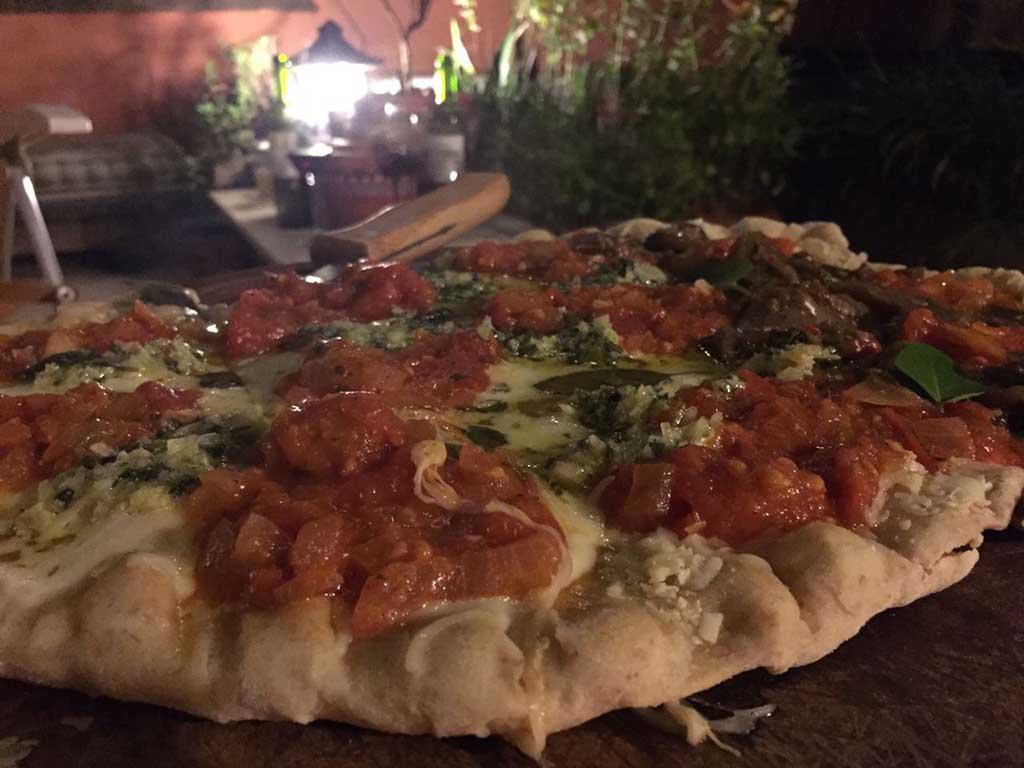 pizza-grelhada-na-churrasqueira